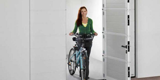 Garagentor 660x330 - Garagentore mit einer zusätzlichen Tür sind besonders praktisch